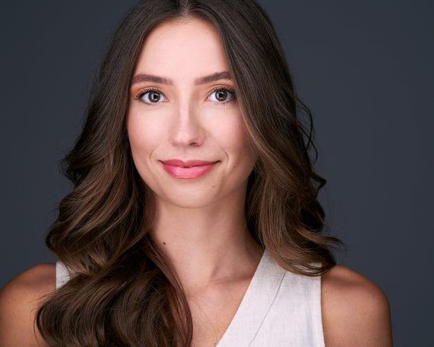 Professional Headshot of Beautiful Young Woman